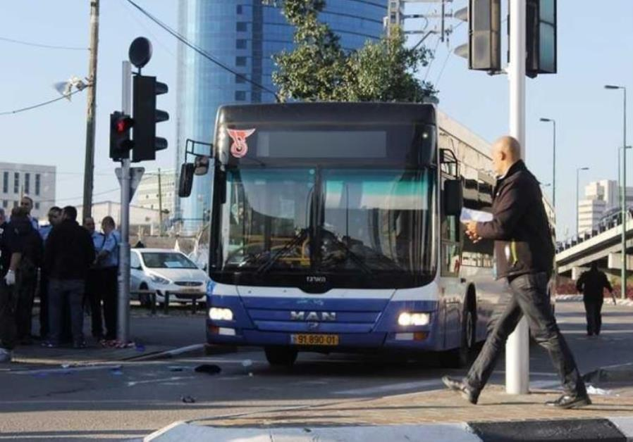 4d3ddb199a Jerusalemites laud first direct bus route to Ben-Gurion Airport ...