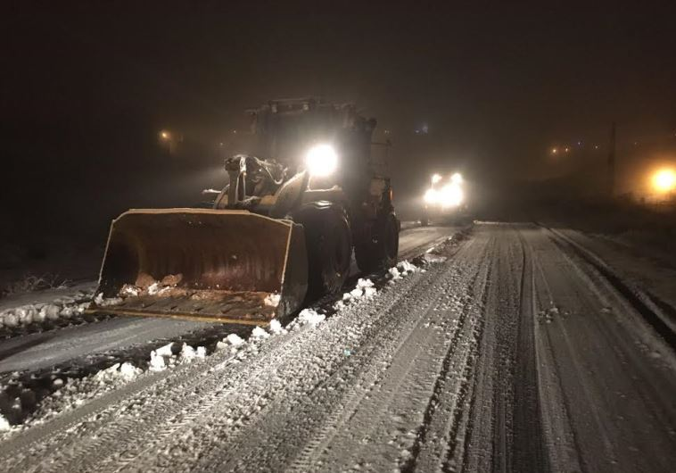 IDF clearing snow on Highway 35, January 26, 2016