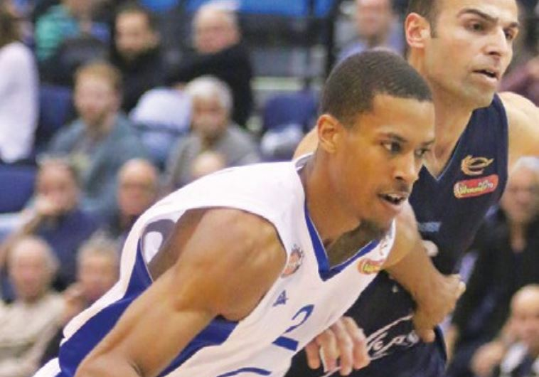 Bnei Herzliya guard Stephen Dennis finished with a team-high 18 points in last night's 86-78 win.