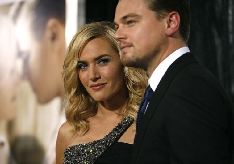 Actors Leonard DiCaprio (R) and Kate Winslet