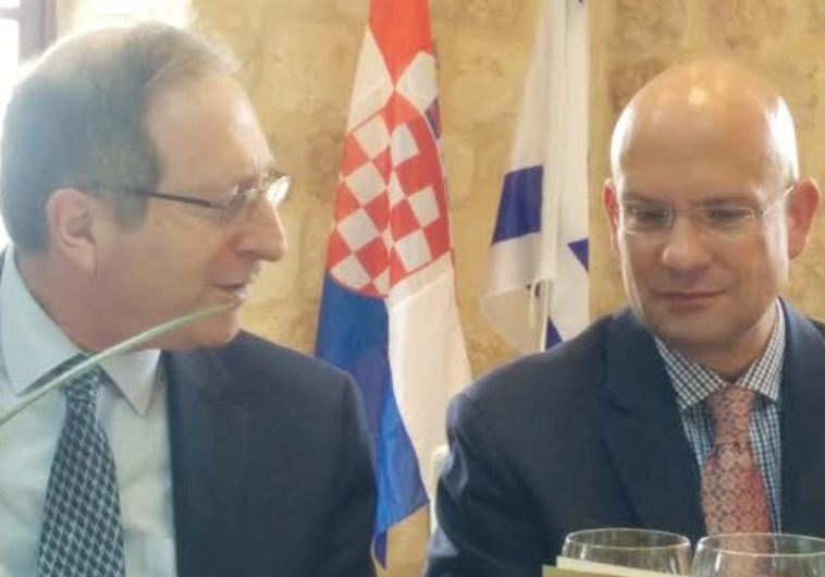 THE FOREIGN MINISTRY'S Aviv Shiran (left) with outgoing Croatian Ambassador Pjer Simunovic.