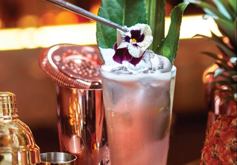 Yacht Club Resto Bar