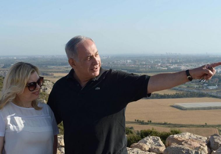 Prime Minister Benjamin Netanyahu and his wife, Sara, during a Passover excursion in northern Israel