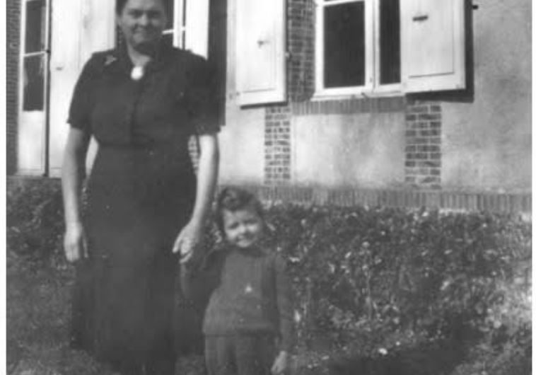Marthe Coche, Blaindainville, 1942