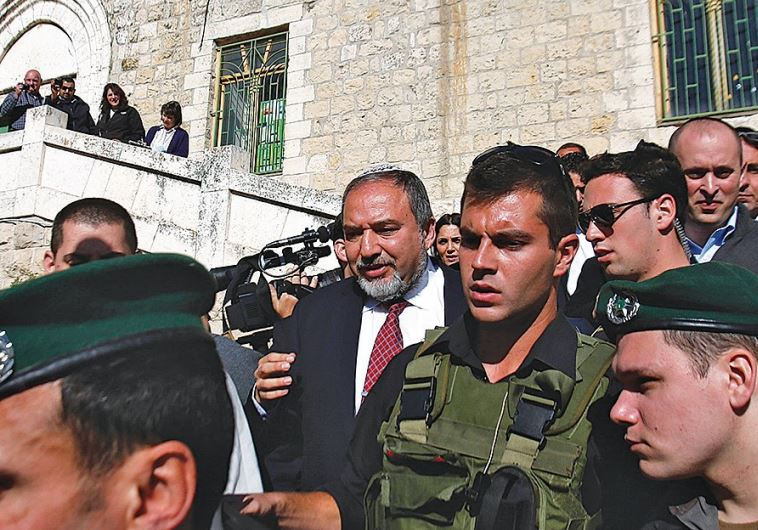THEN-FOREIGN MINISTER Avigdor Liberman visits Hebron in January 2013