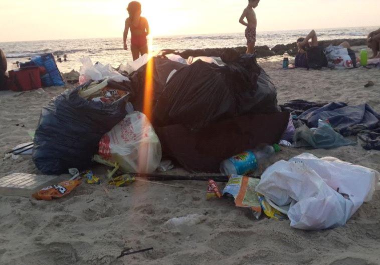 Beach litter.