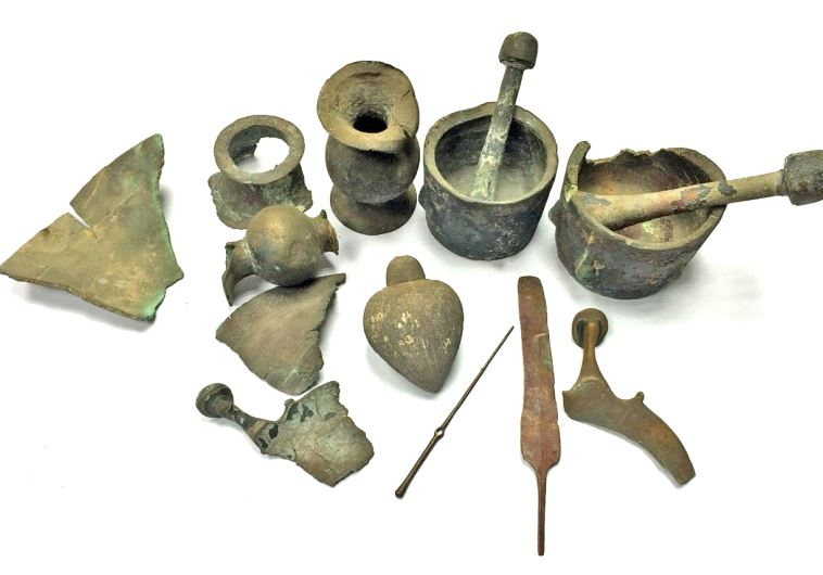 The ancient finds retrieved from the coast of Hadera and turned over to the Israel Antiquities Autho