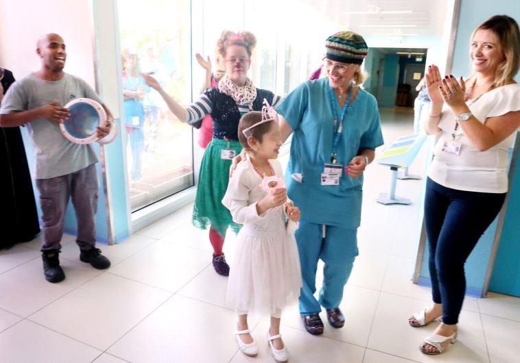 Syrian girl at Rambam medical center