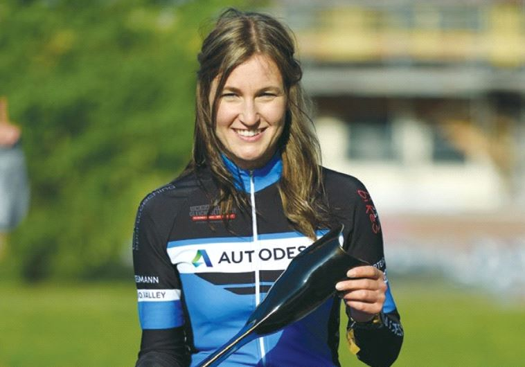 GERMAN CYCLIST Denise Schindler shows off her new prosthesis, produced through 3D printing.