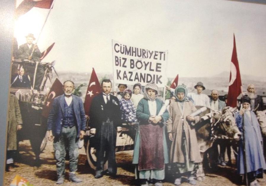 Turkey party activists