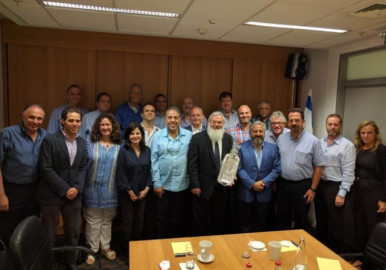 DEPUTY DEFENSE MINISTER Eli Ben-Dahan meets with a delegation of Mexican Jewish leaders.