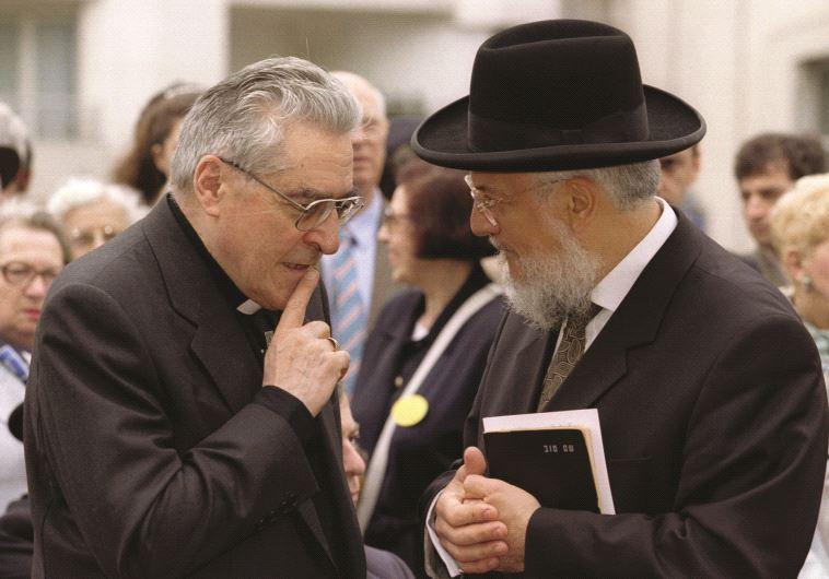 Le Grand Rabbin de France avec Monseigneur Lustiger
