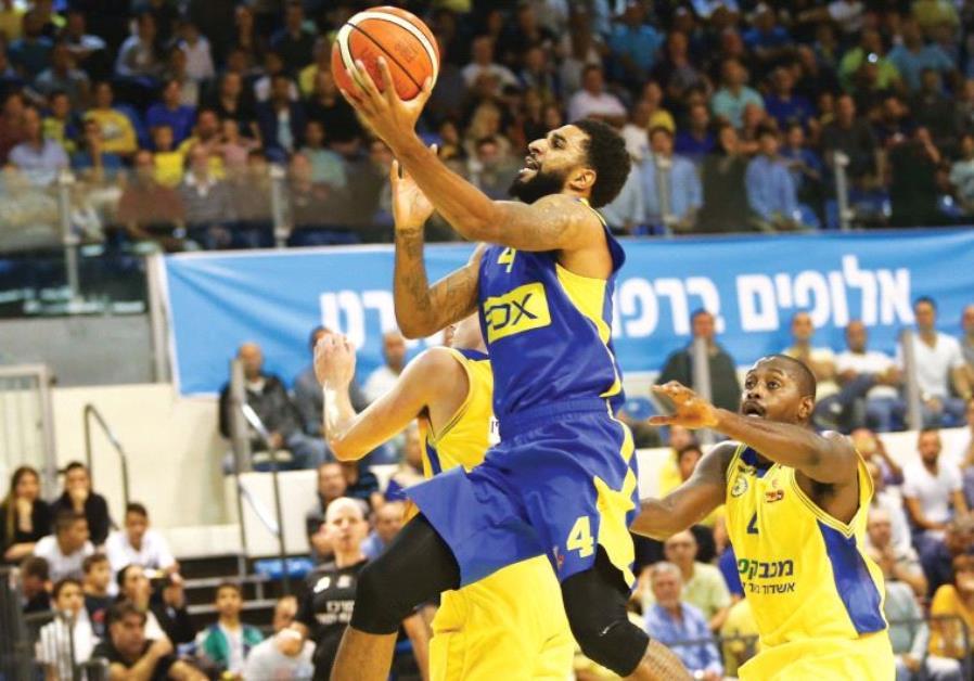 Maccabi Tel Aviv forward D.J. Seeley (center) had a team-high 13 points in last night's 72-66 BSL wi