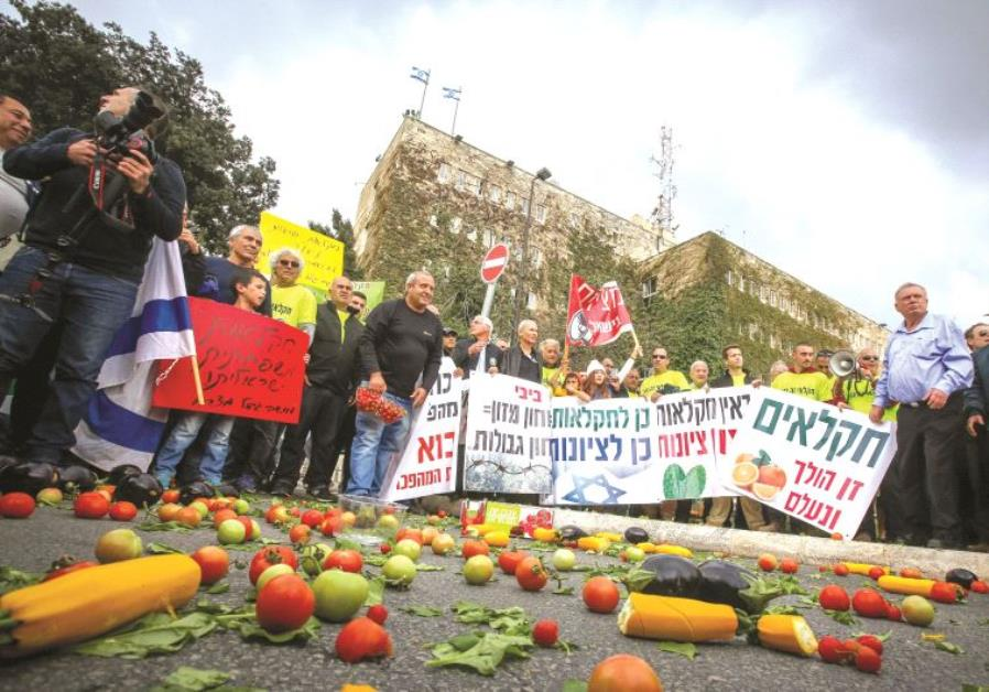 Manifestation de cultivateurs en détresse devant le ministère des Finances