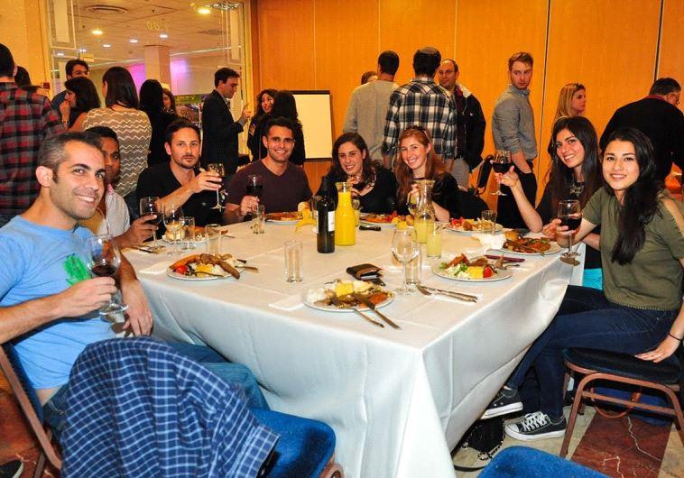 Nefesh B'Nefesh hosts Thanksgiving dinner in Tel Aviv