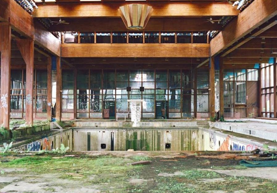 Indoor Pool, Grossinger's Catskill Resort and Hotel, Liberty, NY