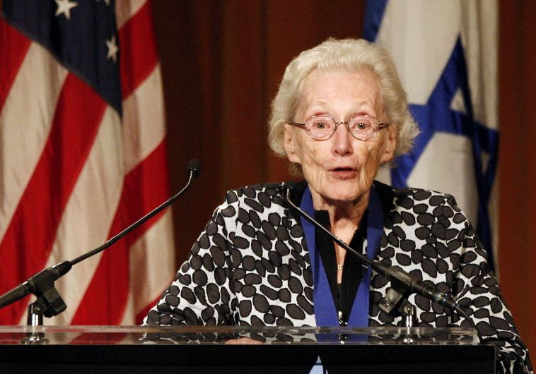 Marion Pritchard receives the Medal of Valor Award at the Simon Wiesenthal Center's Annual National
