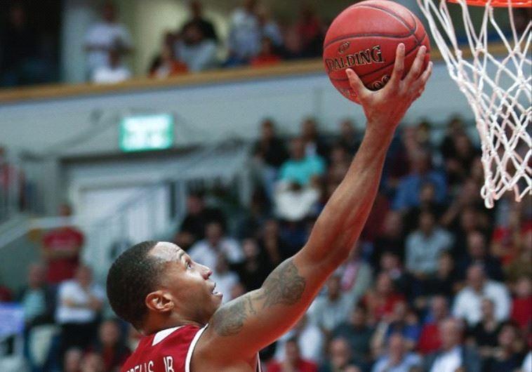 Hapoel Jerusalem guard Curtis Jerrells scored a team-high 18 points in last night's 72-65 win over H