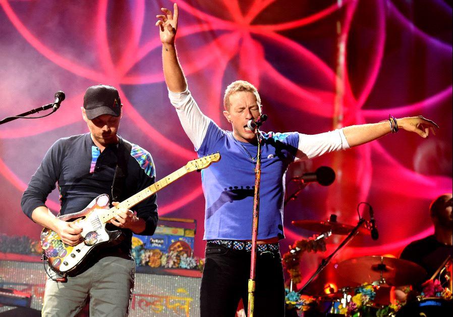 Coldplay's Chris Martin visits school in Israel