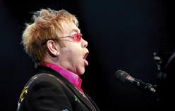 Elton John banned from Egypt