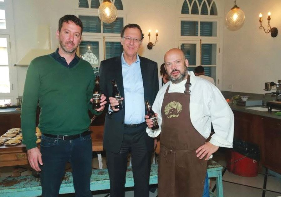 Deputy CEO of Tempo Yoash Ben Eliezer, CEO of Tempo Jack Bar and celebrity chef Yonatan Roshfeld at