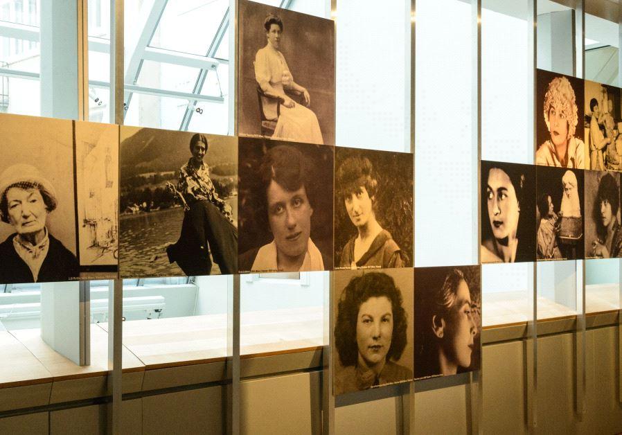 Quelques portraits des femmes artistes