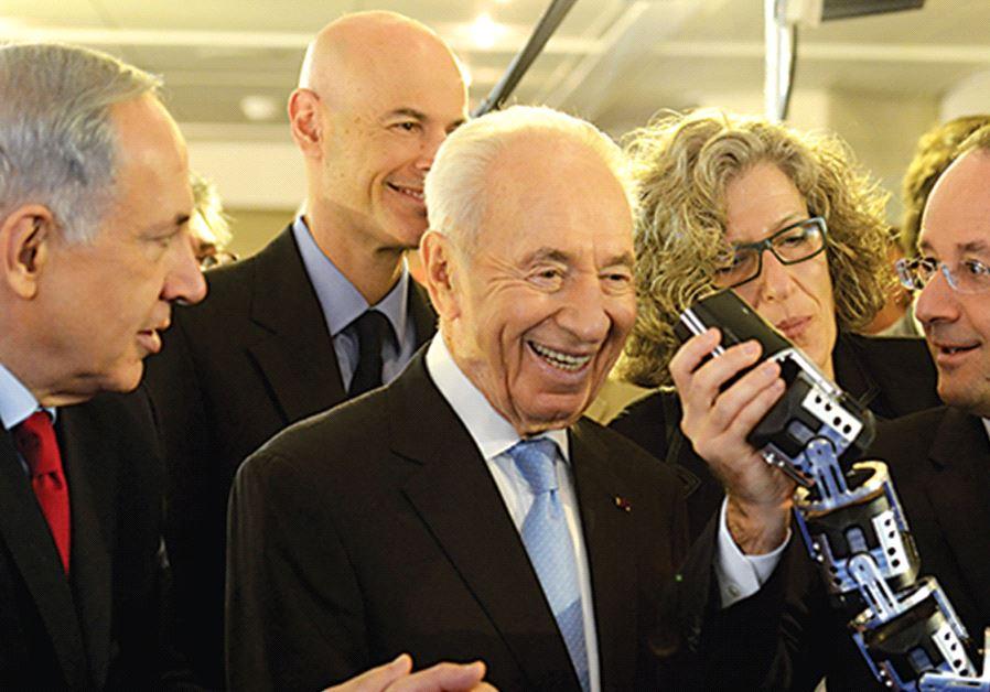 PRIME MINISTER Benjamin Netanyahu, late former president Shimon Peres and French President François