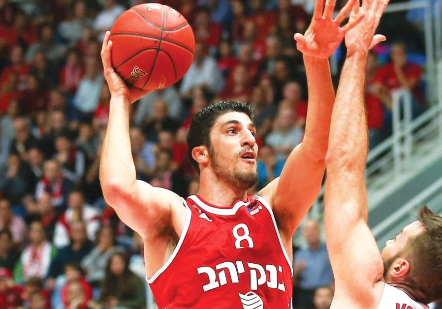 Hapoel Jerusalem forward Lior Eliyahu (pictured above) scored a Eurocup season-high 20 points in las