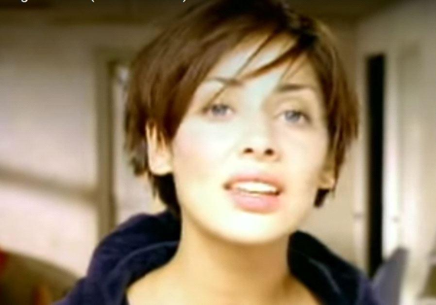 Singer Natalie Imbruglia