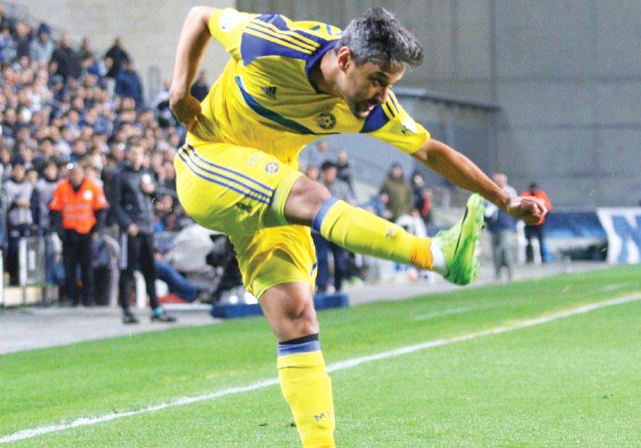 Maccabi Tel Aviv striker Barak Itzhaki scored the only goal of last night's 1-0 win at Maccabi Petah