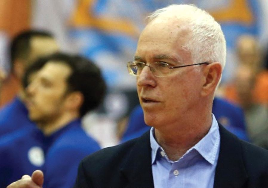 Arik Shivek was sacked by Maccabi Rishon Lezion yesterday, with the team owning a 10-10 record in th