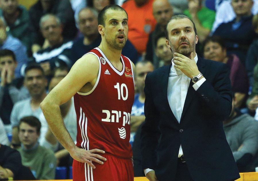 Hapoel Jerusalem coach Simone Pianigiani (right) and captain Yotam Halperin called on the team's fa