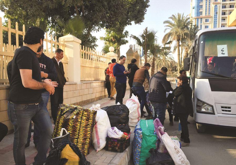 Des réfugiés sur le chemin de l'exil