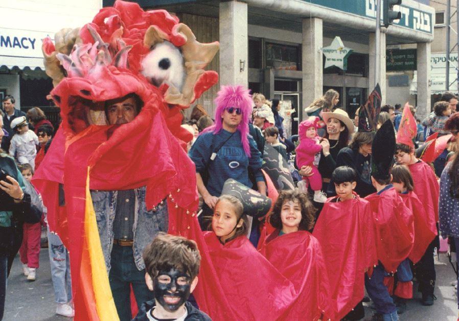 Une parade d'enfants dans les rues