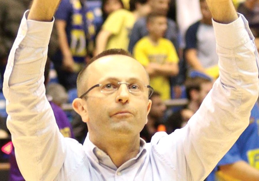 Hapoel Holo n coach Dan Shamir is the perfect man to take over the reins at Maccabi Tel Aviv, but th