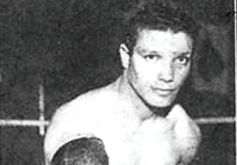 JEWISH-ITALIAN boxer Leone Efrati was a rising star in the ring in Europe and America before World W