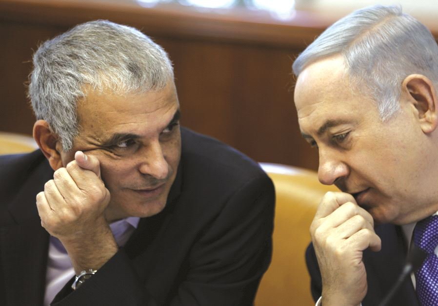 Moshe Kahlon (left) and Benjamin Netanyahu (right).