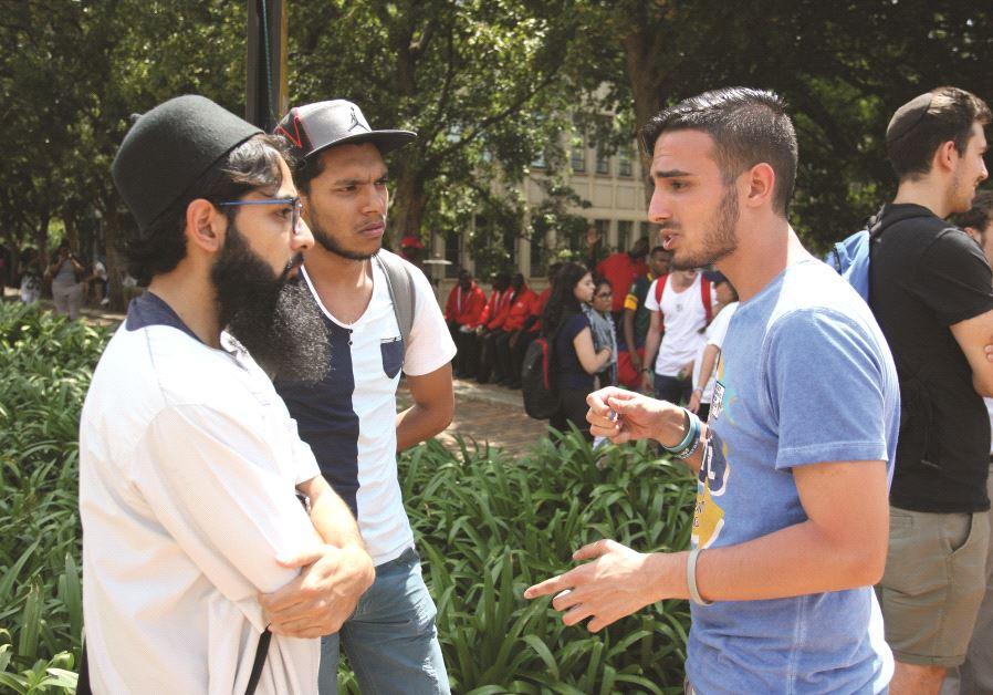 Intervention de Yahya Mahemed auprès d'étudiants musulmans sur un campus en Afrique du Sud