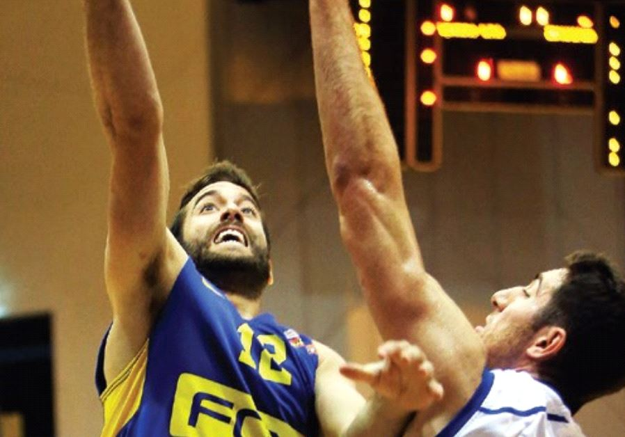 The return from injury of guard Yogev Ohayon (left) has given Maccabi Tel Aviv a timely boost.