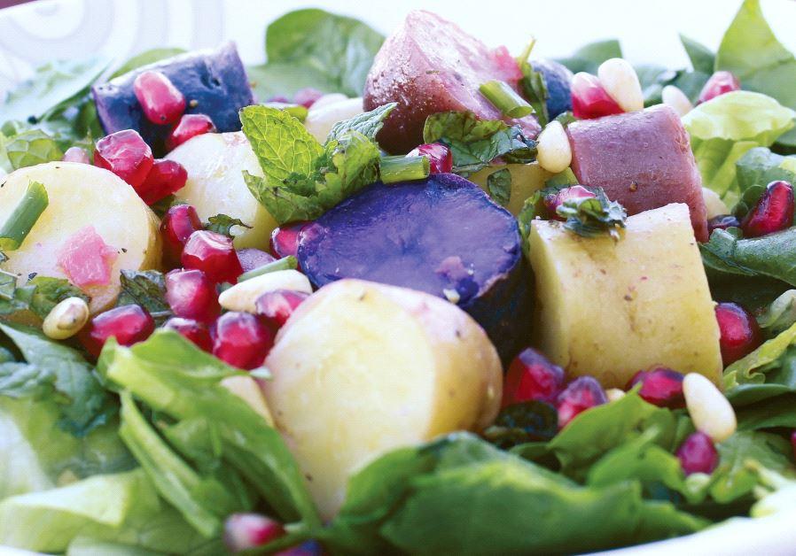 Mojito potato-pomegranate salad