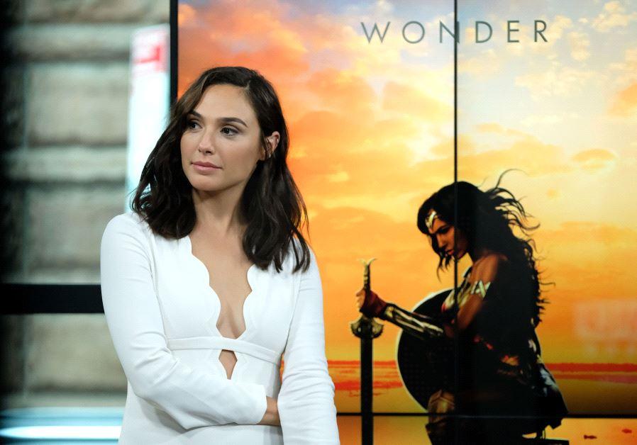 Gal Gadot Imdb >> Wonder Woman Gal Gadot Rules The World Wide Web Israeli Women
