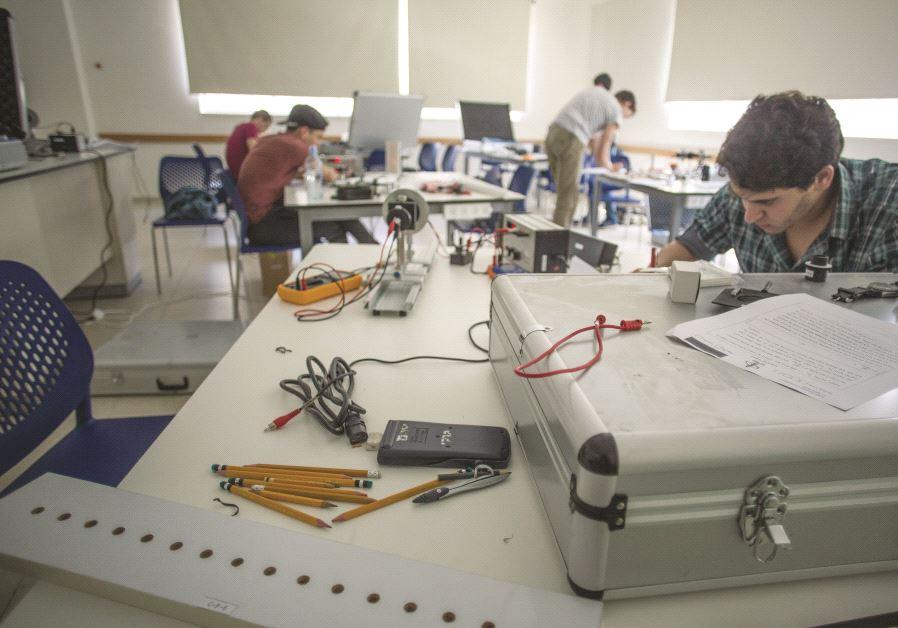 Des élèves se préparant pour les prochains Jeux olympiques de physique