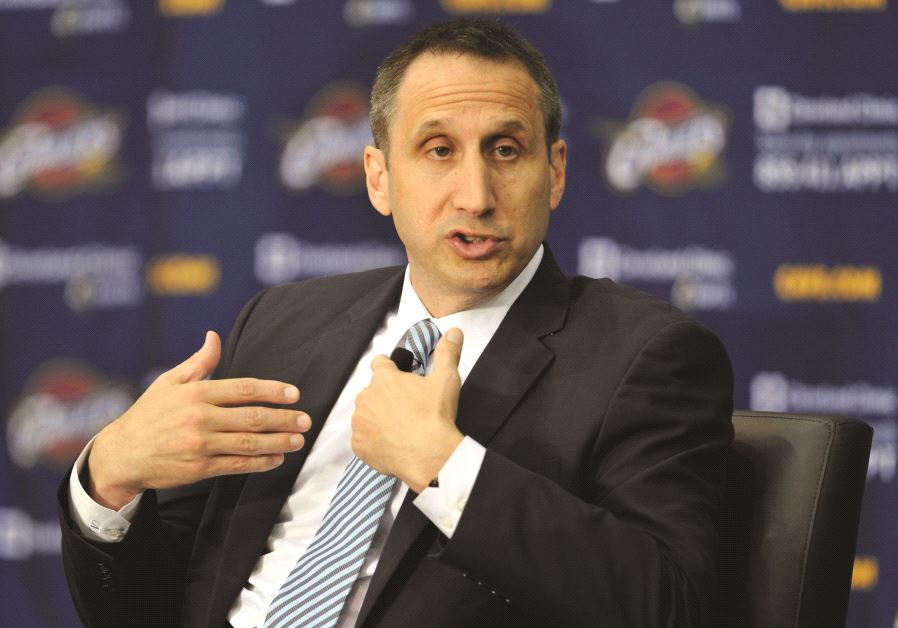 Maccabi Tel Aviv is hoping David Blatt will accept the club's three-year offer to become its next co