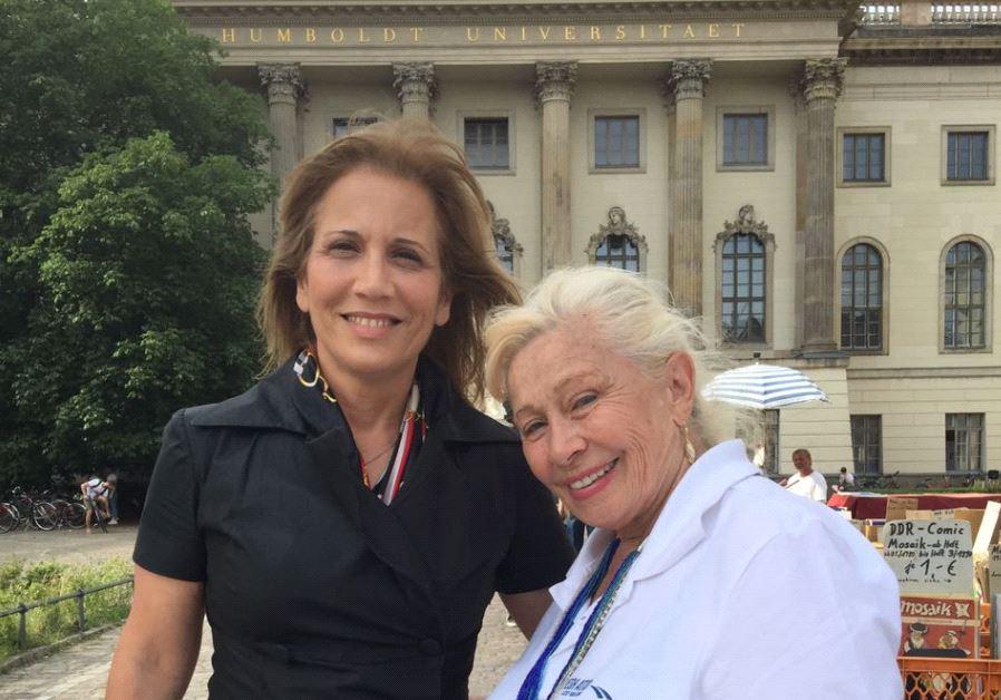 Israeli MK Aliza Lavie pictured with Holocaust survivor Devorah Weinstein at Humboldt Unviersity.