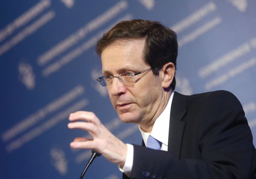 CAN HE keep his grip? Labor Party and Zionist Union head Isaac Herzog speaks to the Conference of Pr