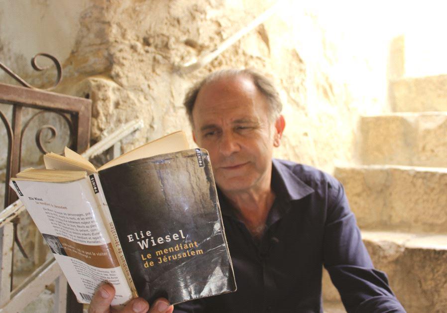 Steve Kalfa a adapté au théâtre l'un des ouvrages d'Elie Wiesel