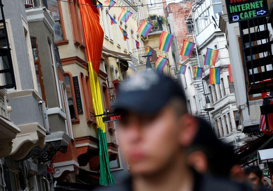 istanbul lgbt parade
