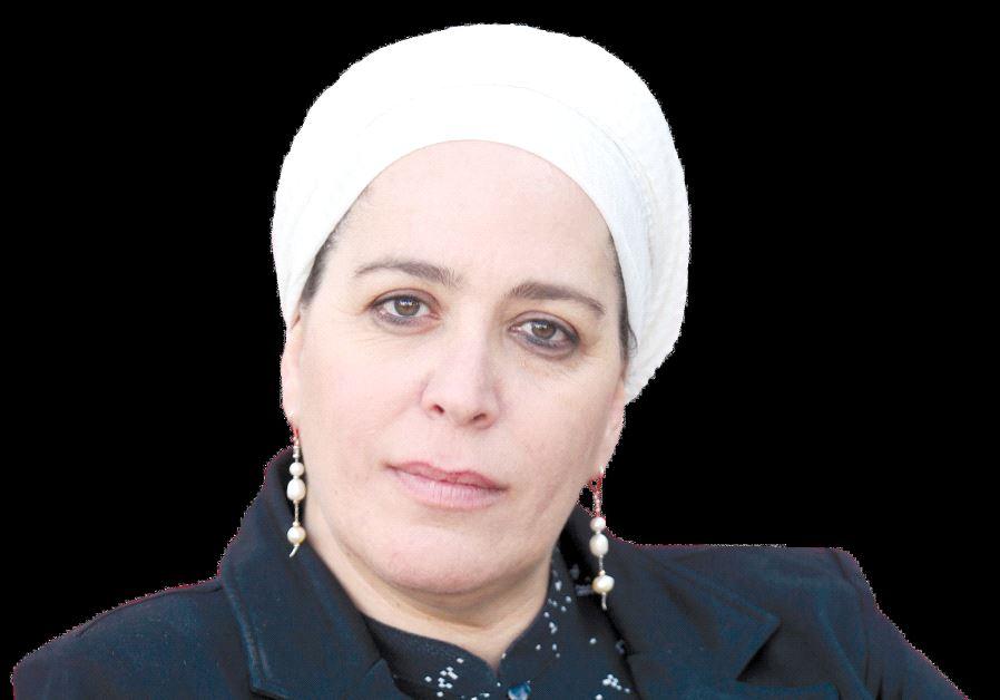 Dina Dayan