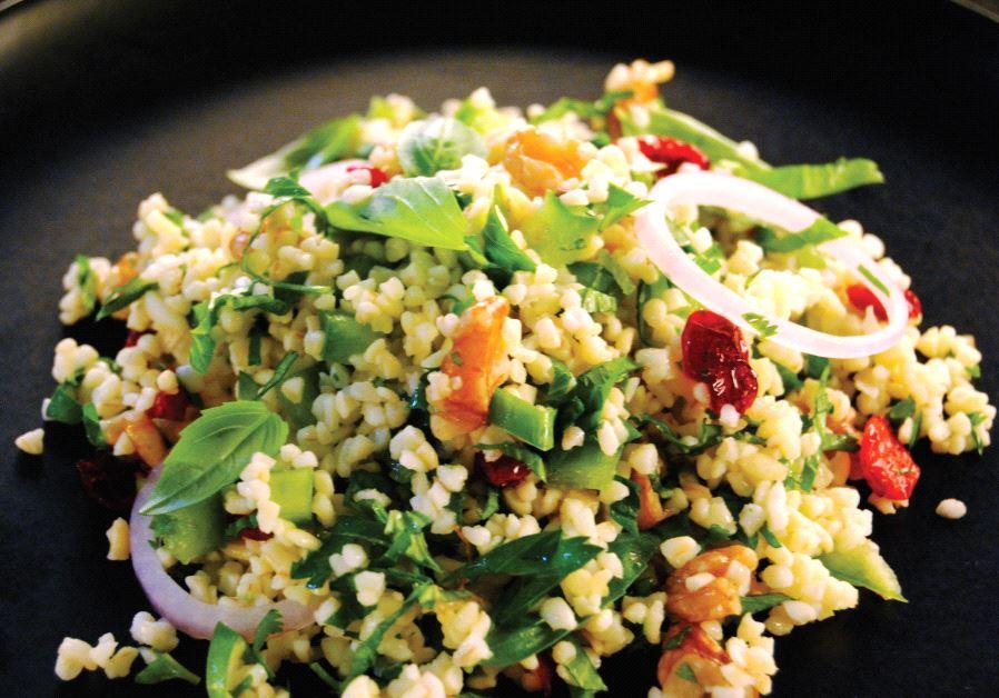 Green bulgur salad