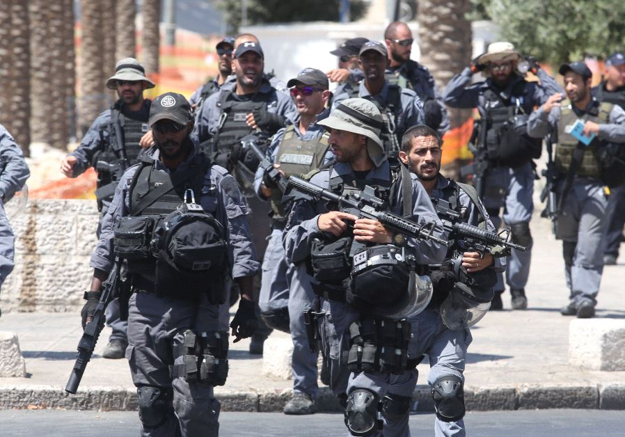 Secuirty at Damascus Gate, July 2017